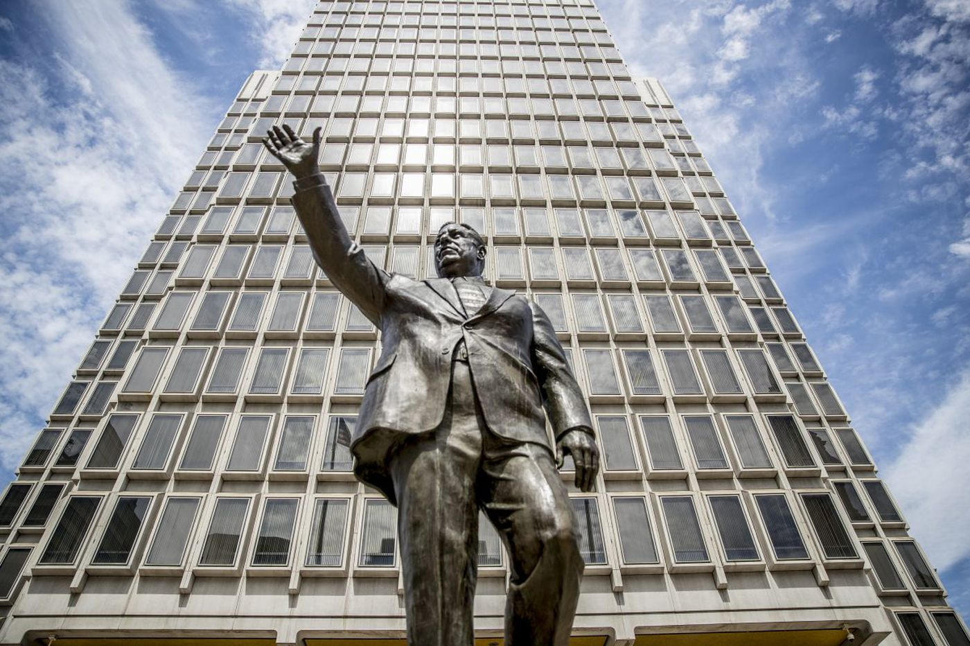 Tell us: What does Rizzo statue move mean for his legacy?