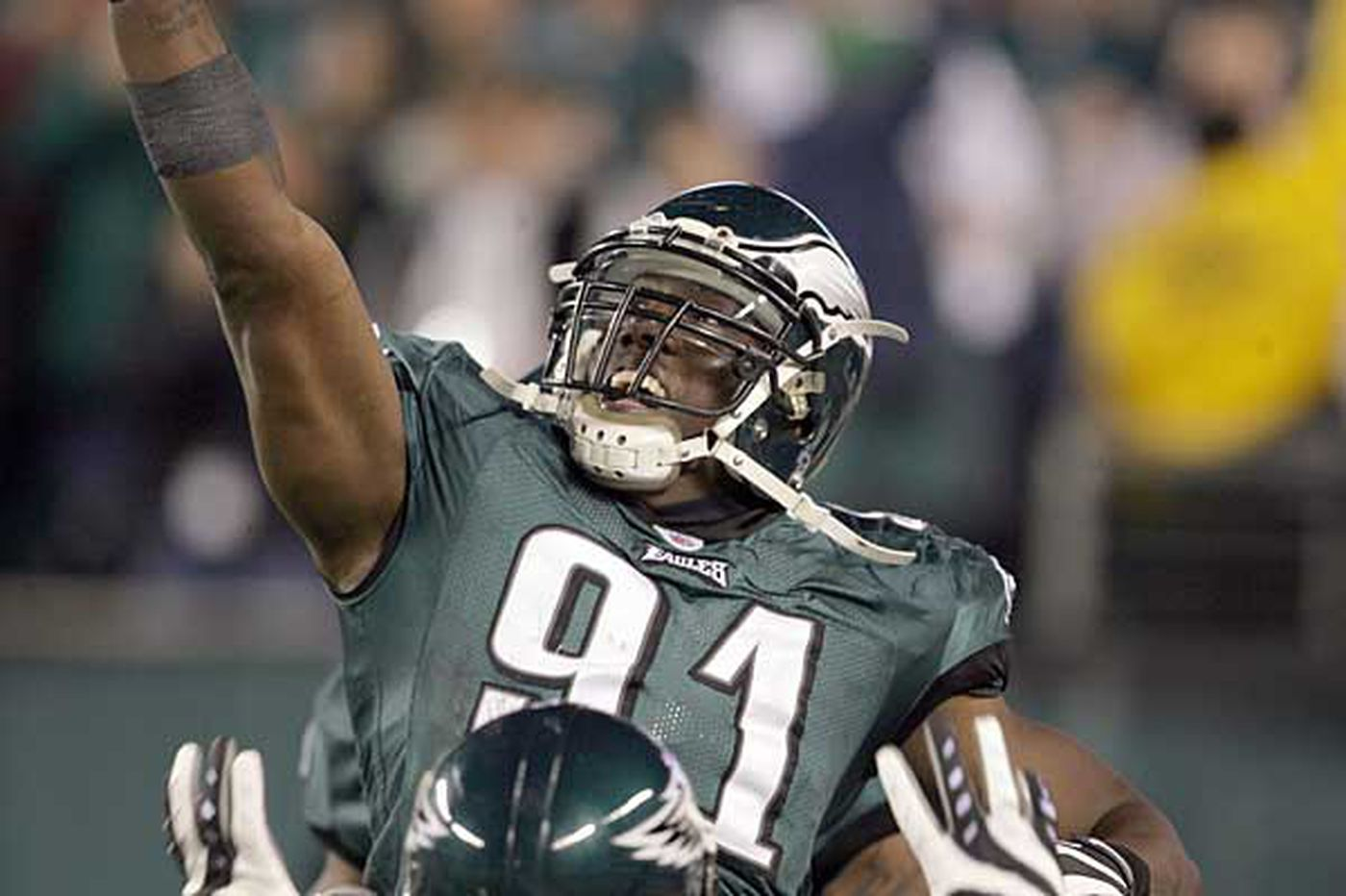 Eagles - Eagles' Clemons overcomes painful past