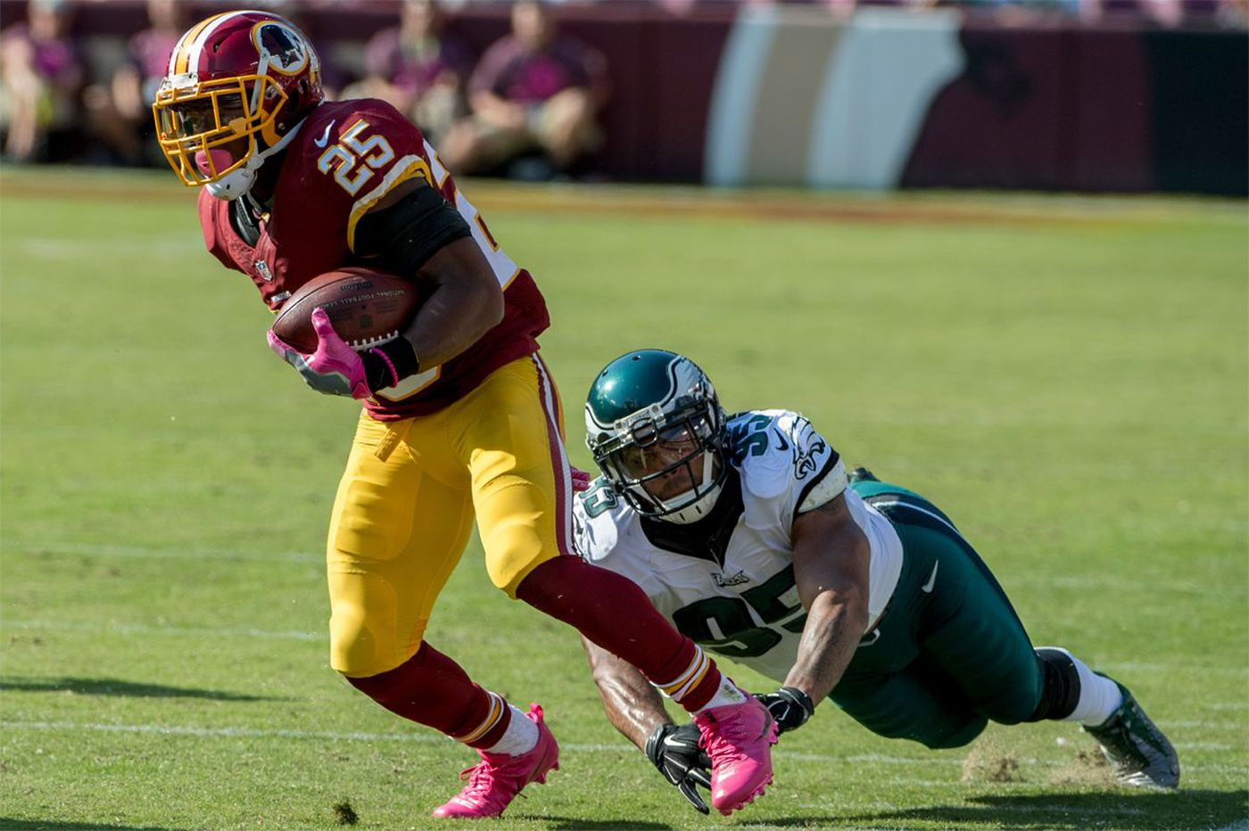 Redskins' running back won't let his family come to Philly because of Eagles fans