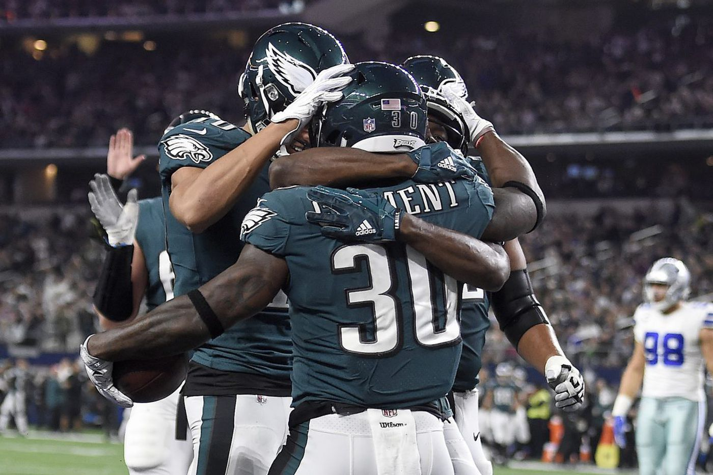 What happened at halftime for the Eagles? | Early Birds