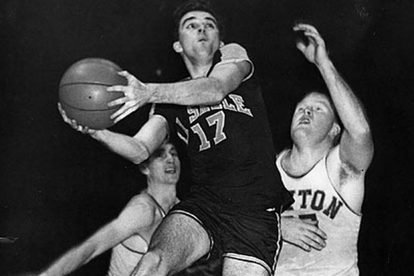 Former La Salle star Donnelly dies at age 81