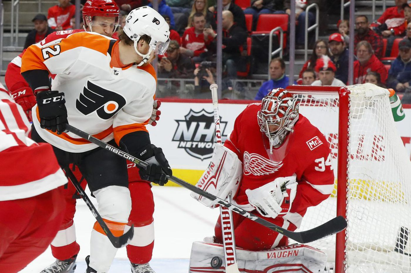 Michael Raffl in Flyers' lineup vs. Lightning; Michal Neuvirth will get the start