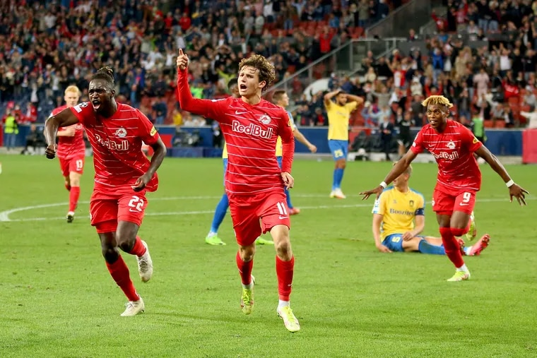 Medford's Brenden Aaronson (11) helped Red Bull Salzburg qualify for the group stage of this season's UEFA men's Champions League.