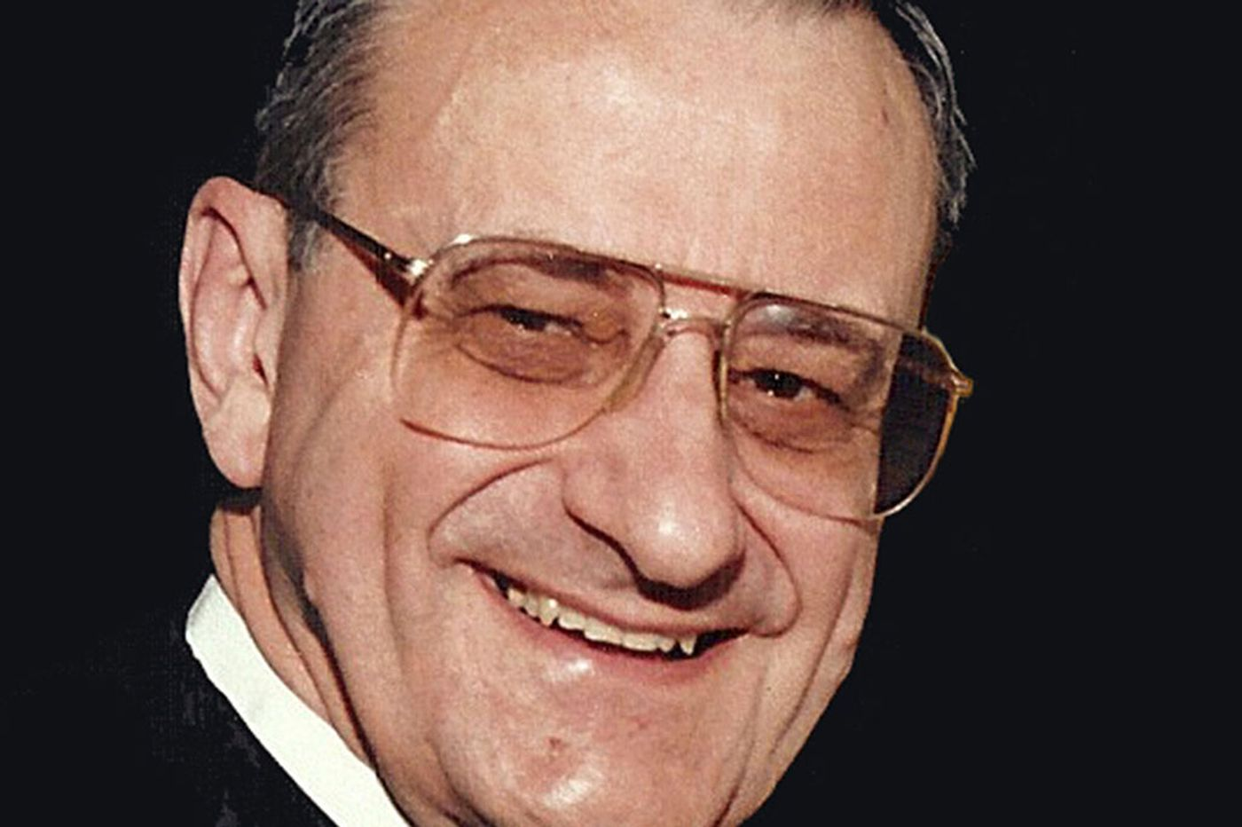 Charles Fluehr, 82, owner of Phila. store