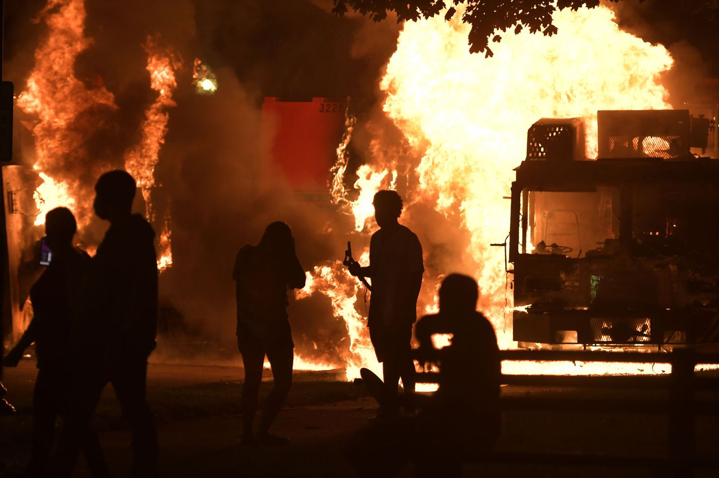 Kenosha, Wisconsin police shooting: Protest erupts after a Black ...