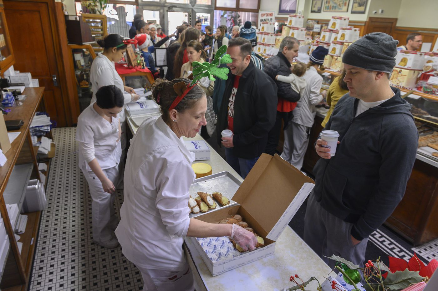 Termini Bros. Bakery always has a crowd on Christmas Eve. This year, it'll benefit the South Philly explosion victims.