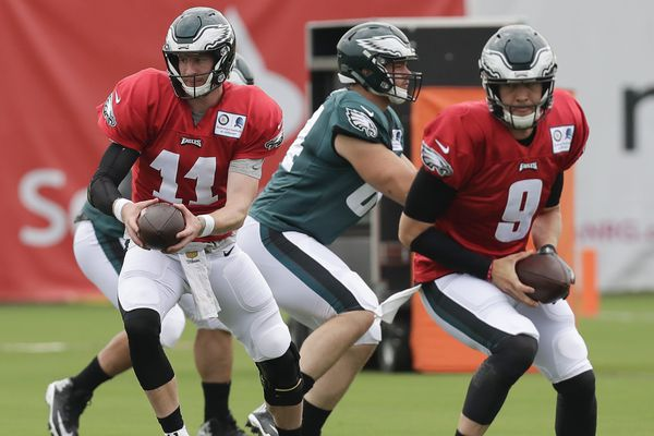Eagles practice observations: Carson Wentz has a scare; hitting commences; rookie OL update