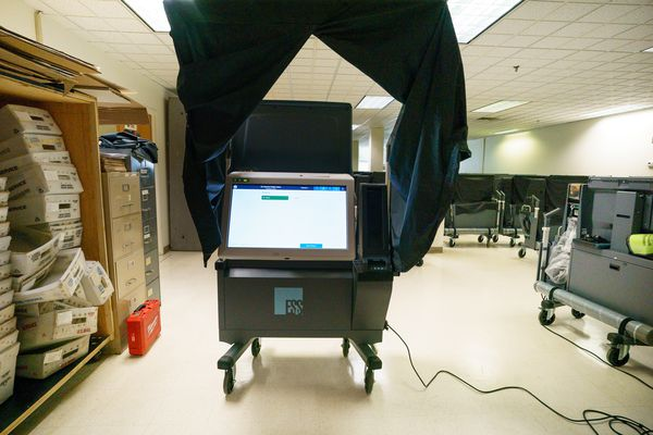 Philly city controller says she will block payment for controversial new voting machines