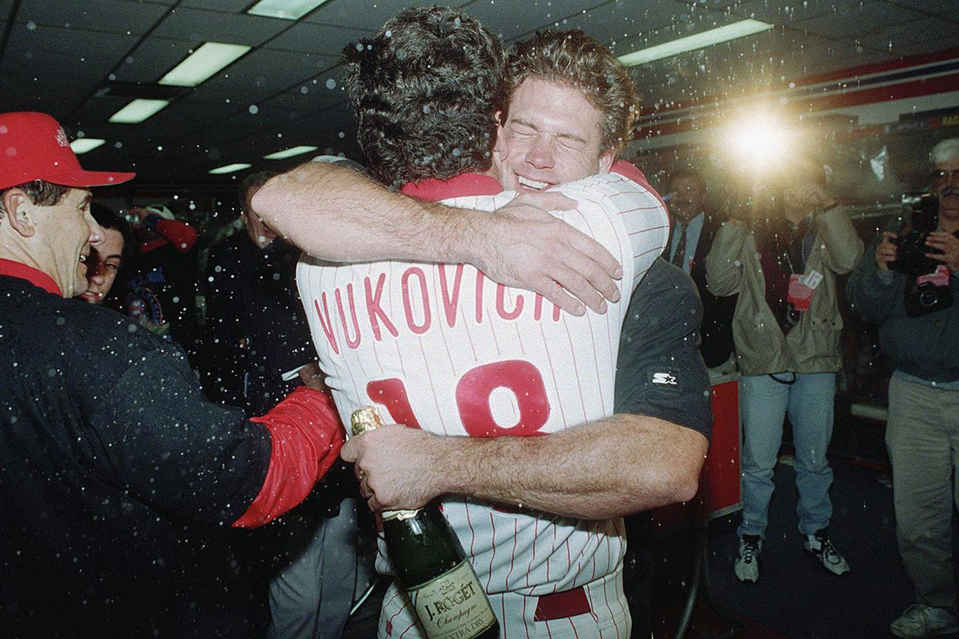 Darren Daulton's death a reminder of how special '93 Phillies really were   Mike Sielski