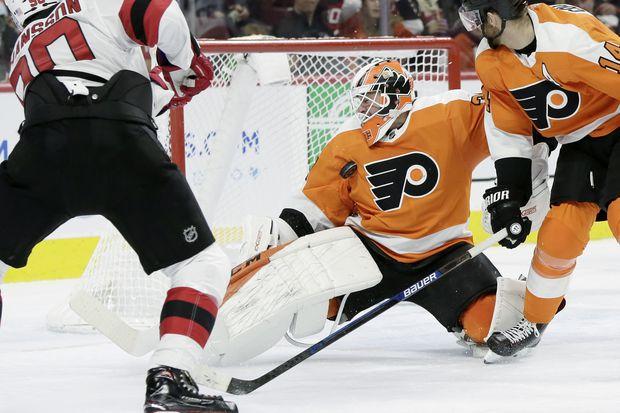 Flyers send goalie Brian Elliott to Phantoms for conditioning
