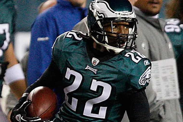 Asante Samuel could miss his third straight game Sunday night in Dallas. (David Maialetti/Staff Photographer)