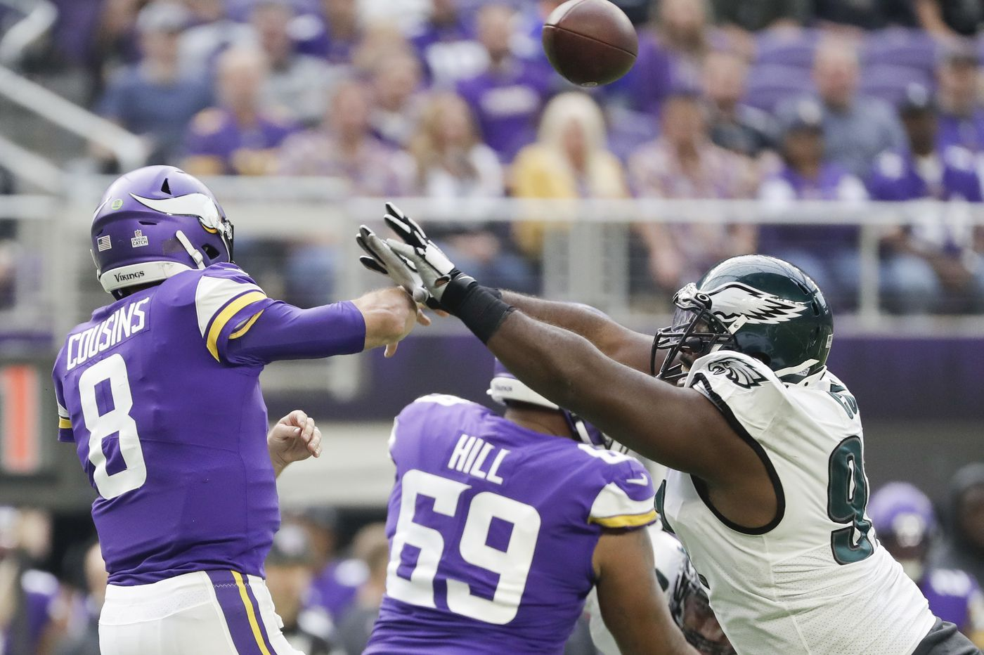 Eagles' Zach Brown backs off trash talk after Vikings' Kirk Cousins shreds Birds defense