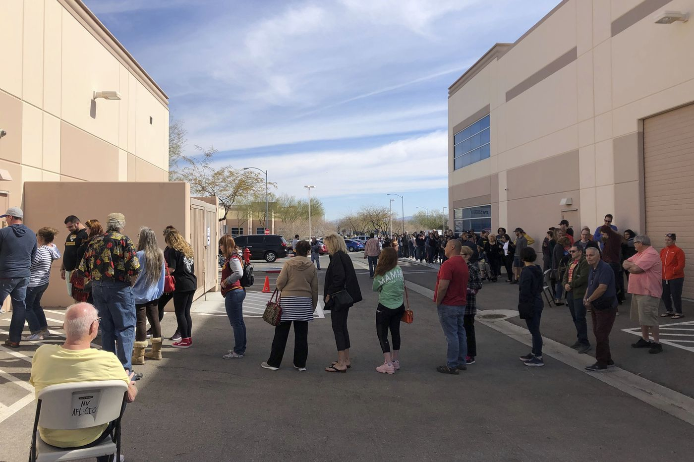 Campaigns warn of chaos ahead of Nevada caucuses
