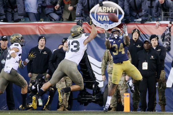 Navy's version of the Philly Special results in a touchdown