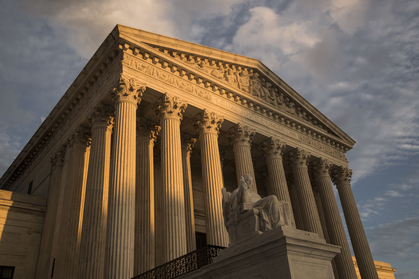 Should the size of the Supreme Court expand to change the ideological balance? | Pro/Con