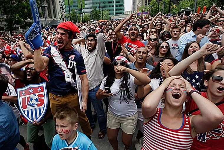 United States fans. (Paul Sancya/AP)