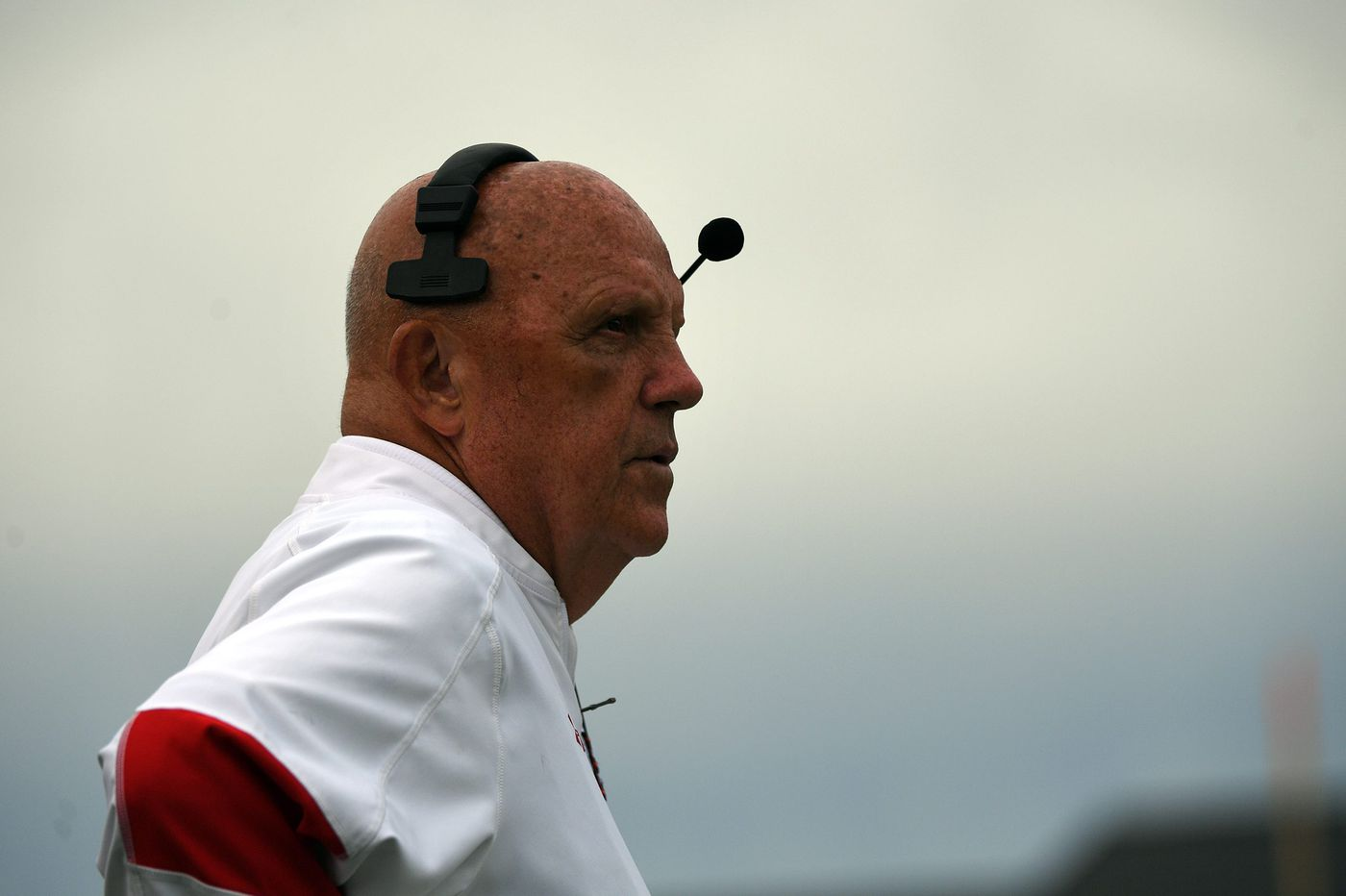College football coach says goodbye after 45 years by calling a timeout and retiring during game