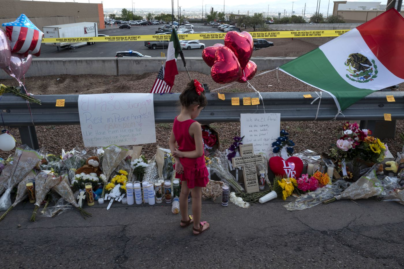 El Paso shooting: City lives, and grieves, on both sides of the U.S.-Mexico border