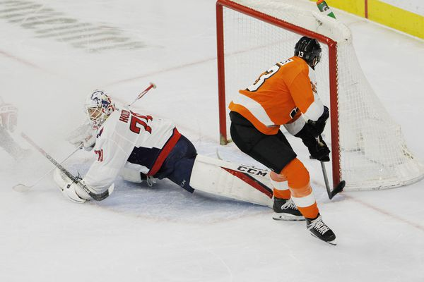 Kevin Hayes' shorthanded goal helps Flyers edge Capitals and end losing streak