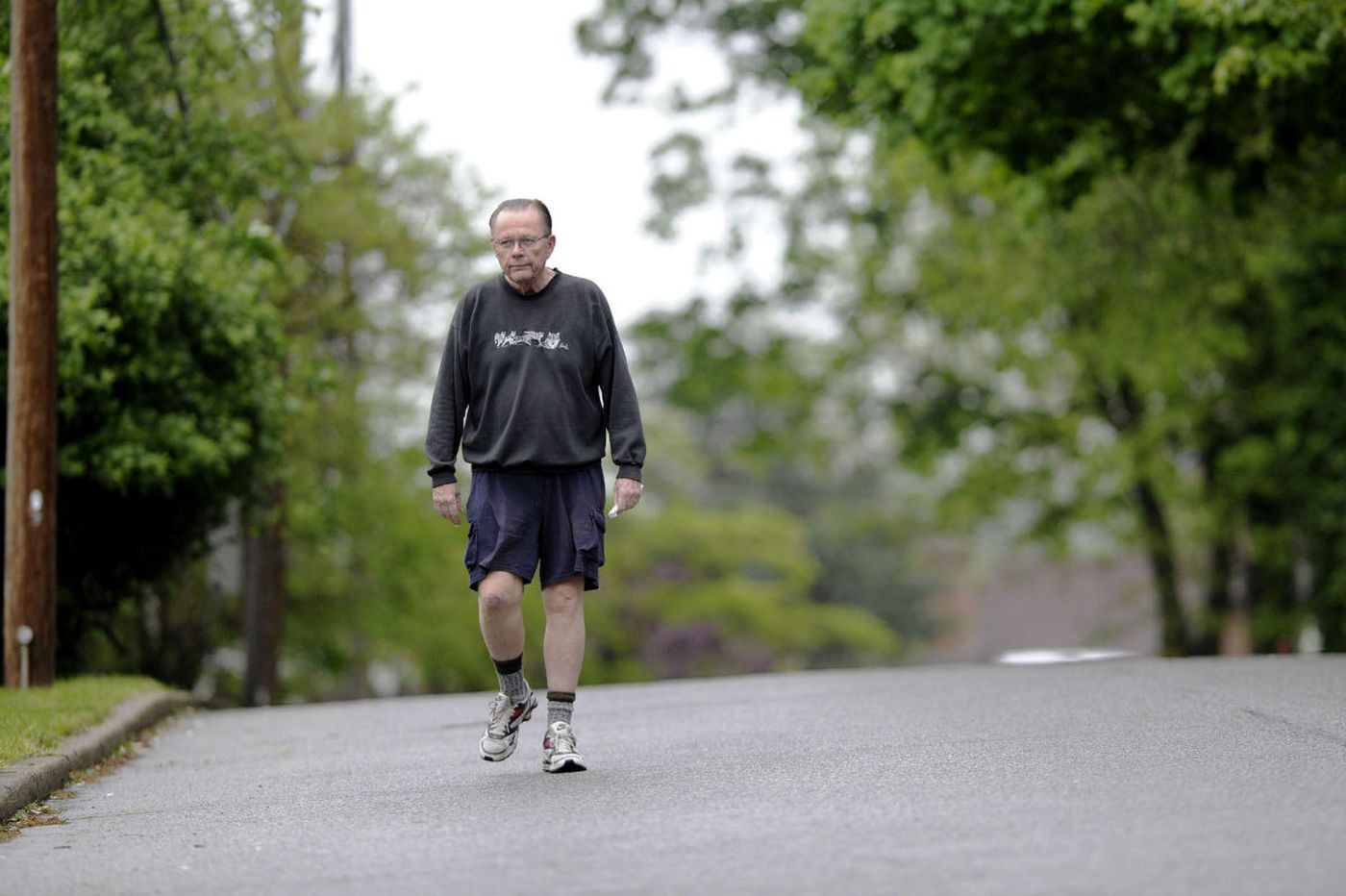 Bill Lyon: In battle against Alzheimer's, giving ground only grudgingly