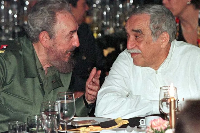 """Cuban President Fidel Castro chats with Colombian Nobel Prize laureate Gabriel Garcia Marquez (R) during a gala dinner marking the Havana Festival celebrating famous Cuban cigars, in this March 4, 2000 file photo. Garcia Marquez, the Colombian author whose beguiling stories of love and longing brought Latin America to life for millions of readers and put magical realism on the literary map, died on April 17, 2014. He was 87. Known affectionately to friends and fans as """"Gabo"""", he is arguably Latin America's best-known author and his books have sold in the tens of millions. REUTERS/Rafael Perez (CUBA - Tags: OBITUARY SOCIETY)"""