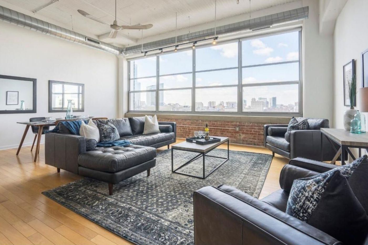 On the market in Philadelphia: Spacious one-bedroom loft with great sunset view