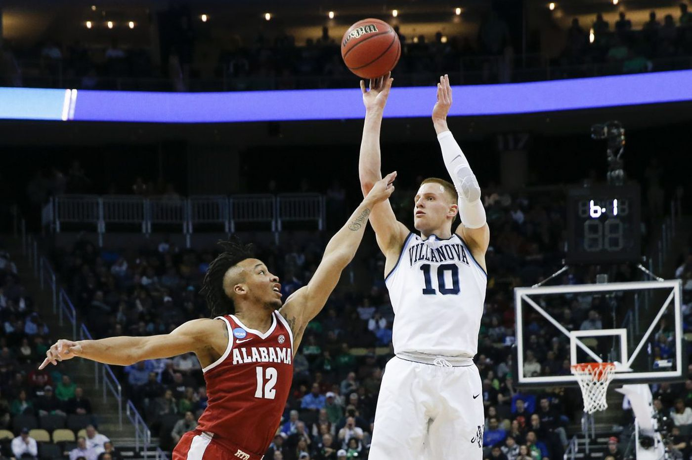 Donte DiVincenzo doing whatever it takes to help Villanova