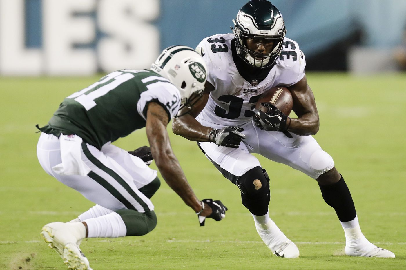 Eagles sign running back Josh Adams off practice squad, release DeAndre Carter