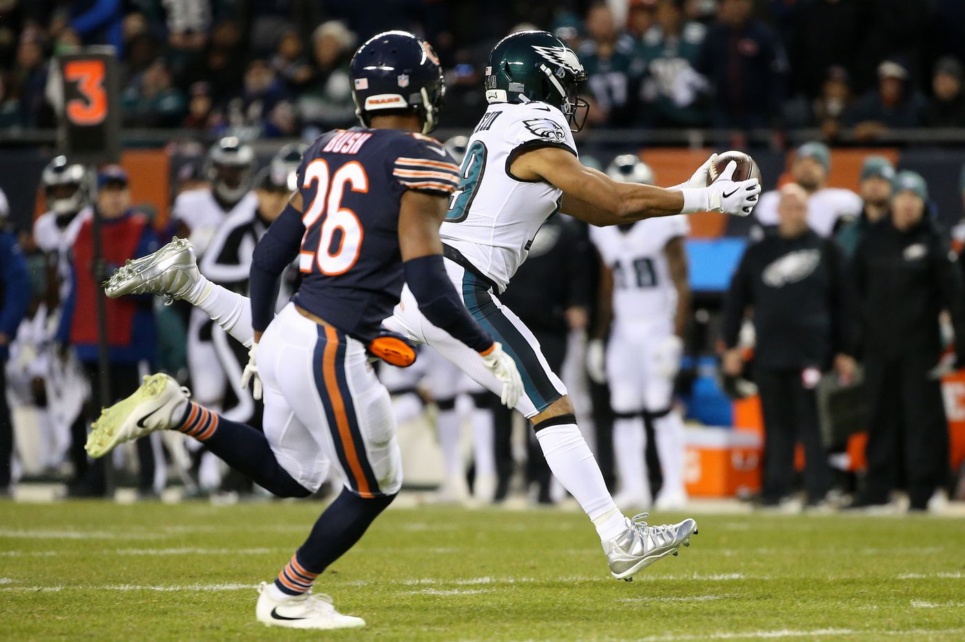 Nick Foles, Golden Tate trending up; Eagles corners trending down following playoff win over Bears