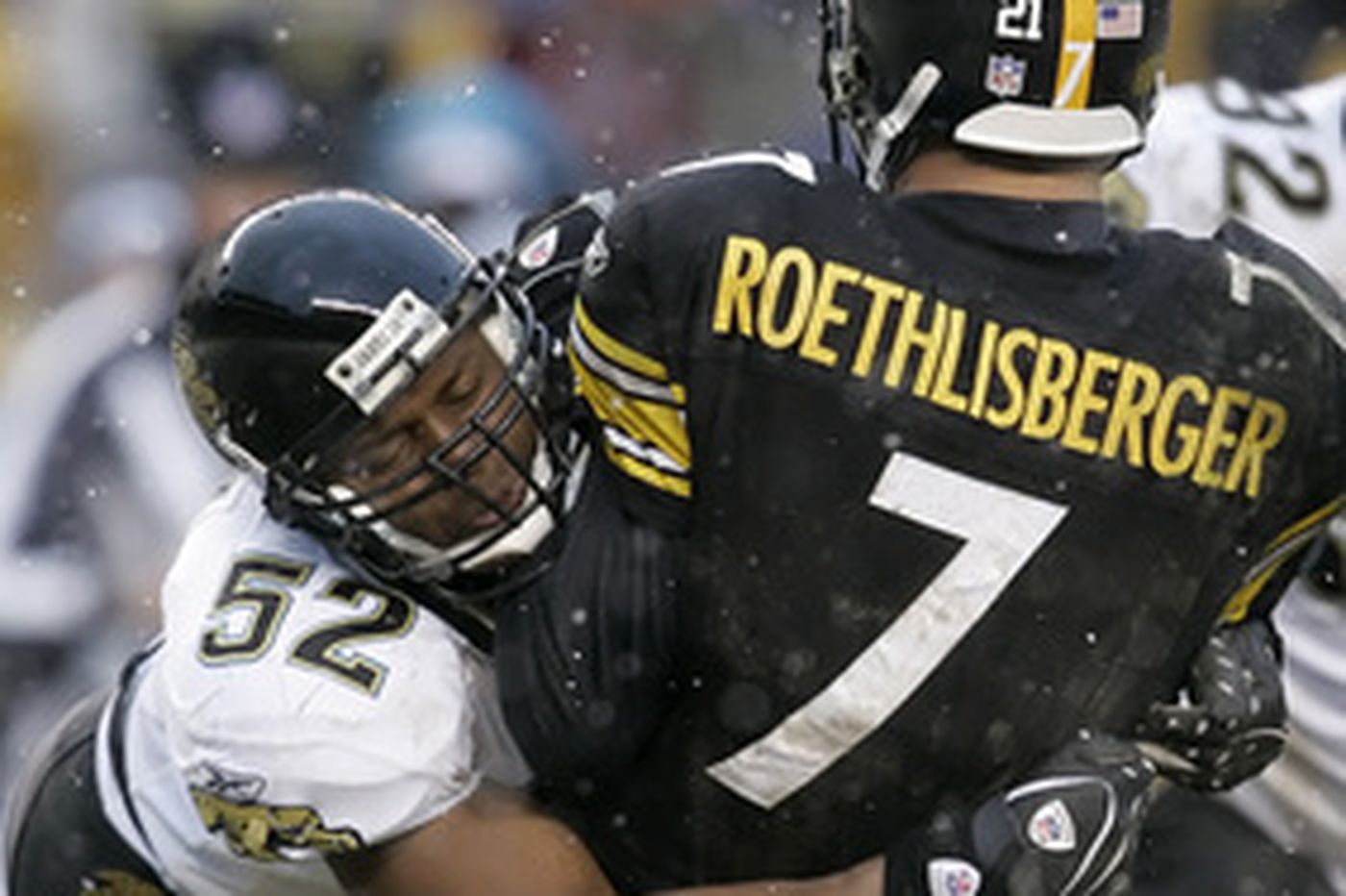 NFL | Jaguars hold off weather, Steelers