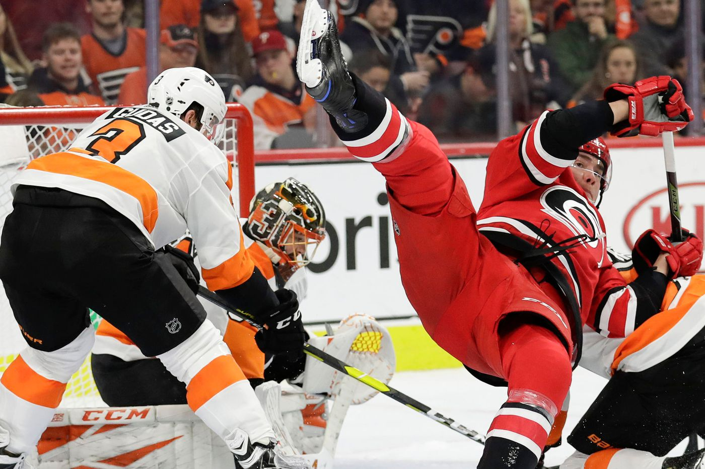 Flyers' salary-cap space dwindling, but can they add a key free-agent right winger? | Sam Carchidi