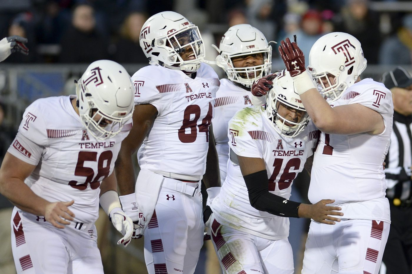 Temple routs UConn, but injury bug bites as Owls wait for bowl bid