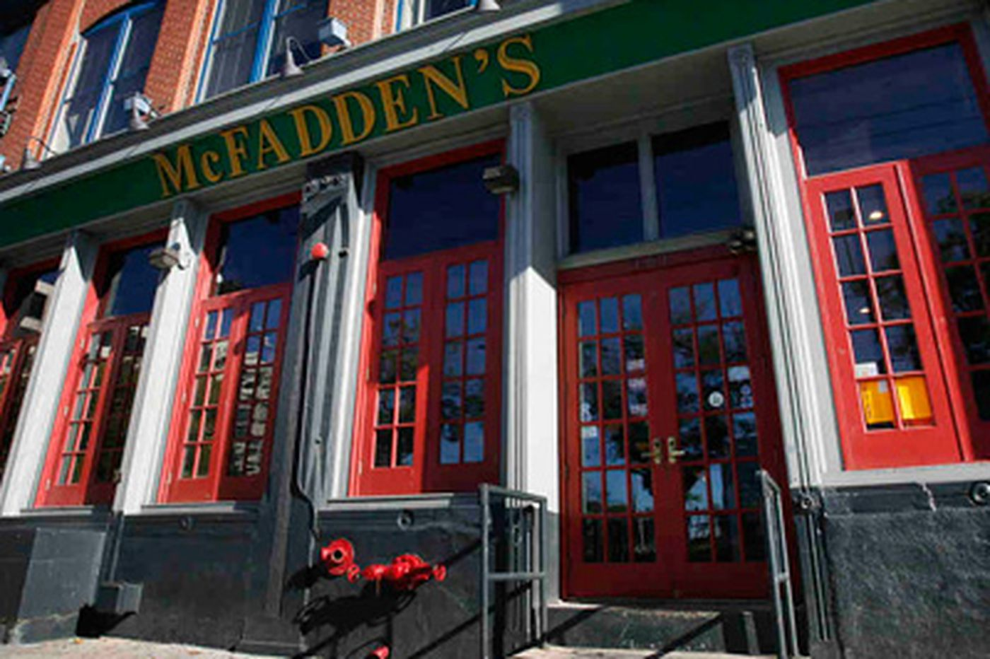 McFadden's Restaurant & Saloon settles race-bias suit