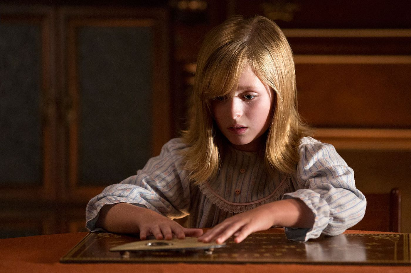 'Ouija: Origin of Evil': Fun and games with a creepy little girl and her planchette