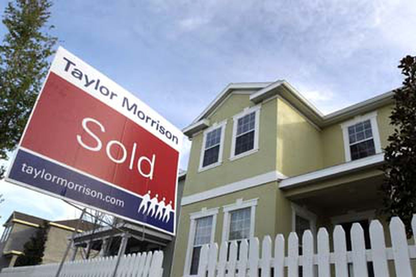 Sales of previously owned homes rise 3.4% in April