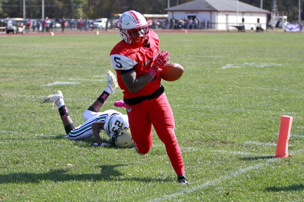 Saturday's South Jersey roundup: Penns Grove football routs Schalick to win program-record 20th consecutive game