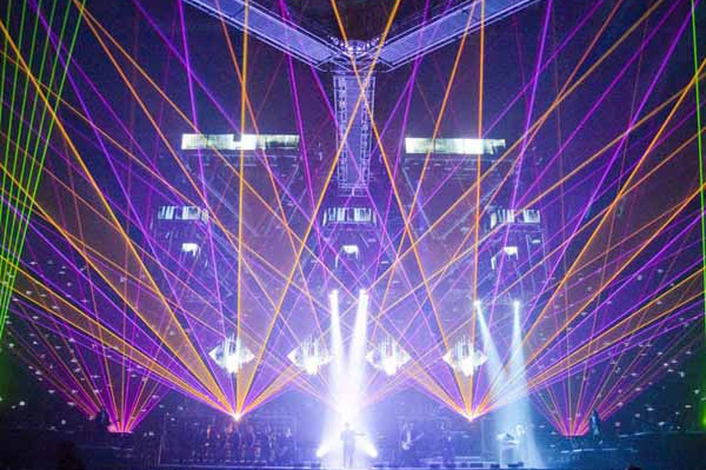 Trans-Siberian Orchestra offers an over-the-top take on Christmas