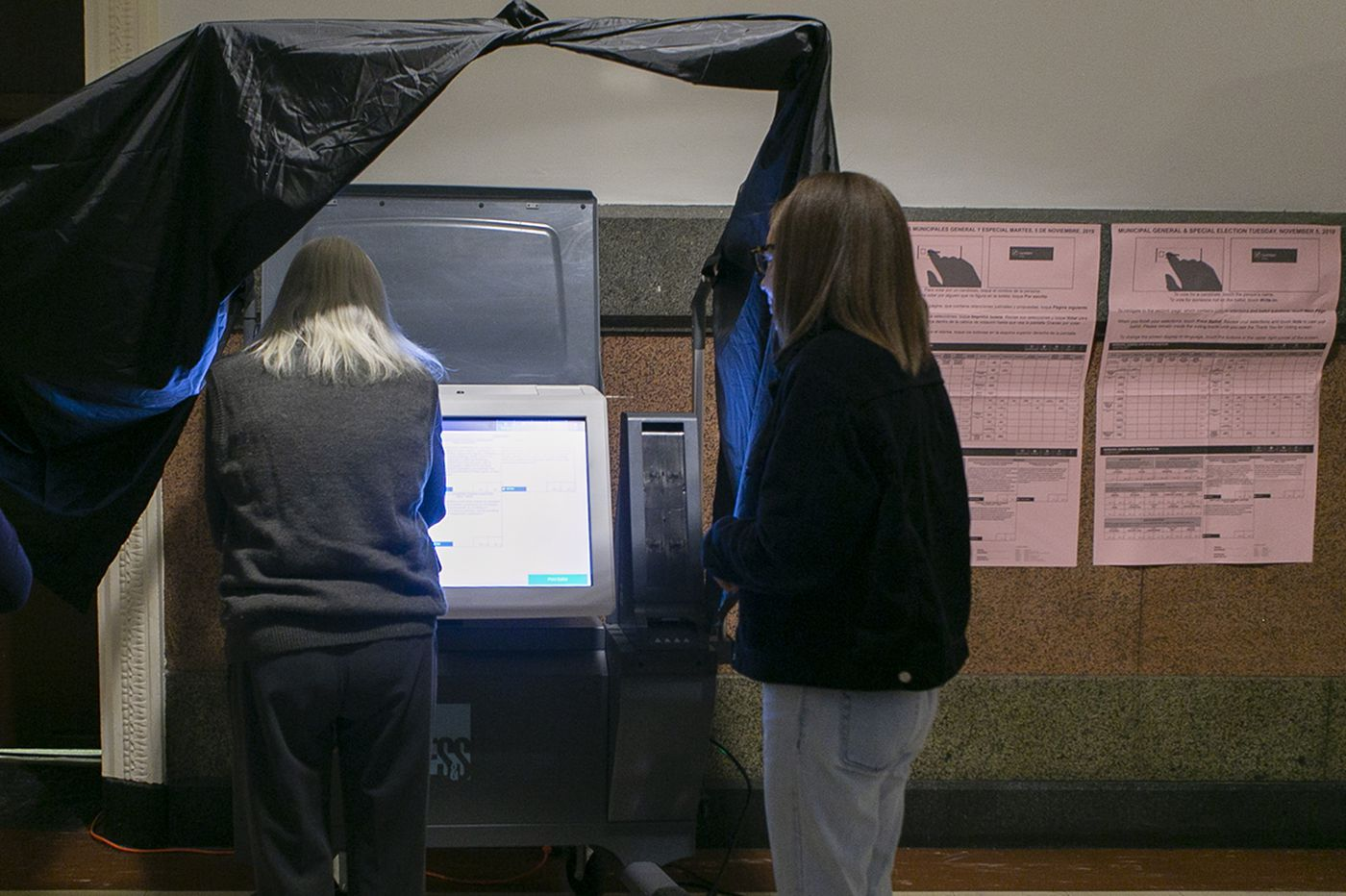 Lawsuit seeks to force Pennsylvania to scrap these electronic voting machines over hacking fears