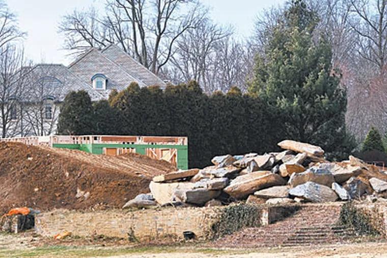 Construction has begun at the former site of La Ronda in Villanova. ( Sharon Gekoski-Kimmel / Staff Photographer )