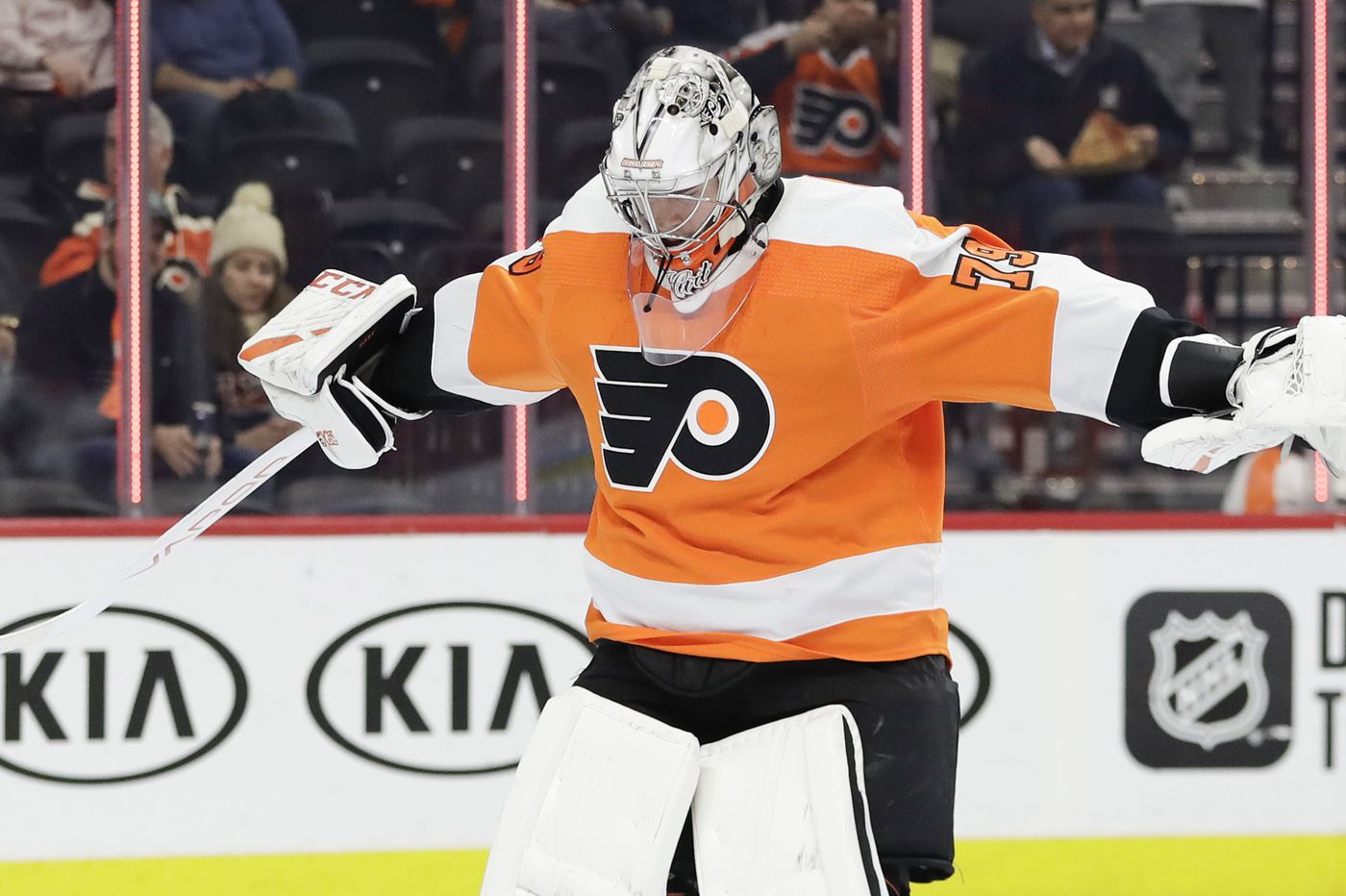 Carter Hart will get the start as Flyers go for eight in a row with a chance at first place