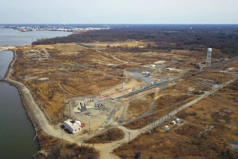 This proposed site of an LNG export terminal in Gibbstown, N.J., is across the Delaware River from the Philadelphia International Airport.