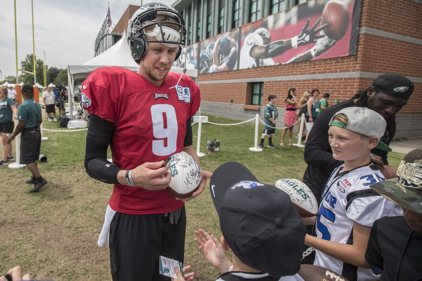 Eagles QB Nick Foles returning from elbow soreness