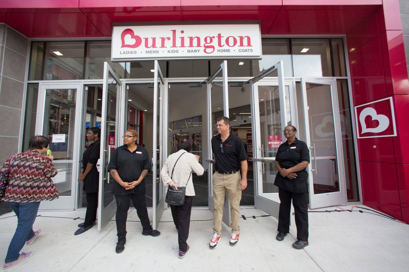 Burlington Stores beats Wall Street earnings estimates, stock price rises