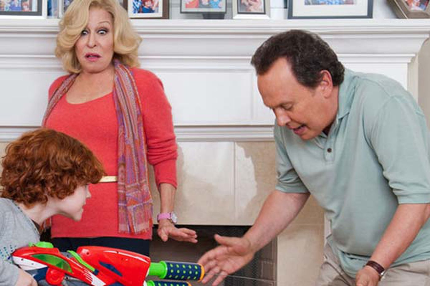 """Billy Crystal breaks decade acting drought for """"Parental Guidance"""""""