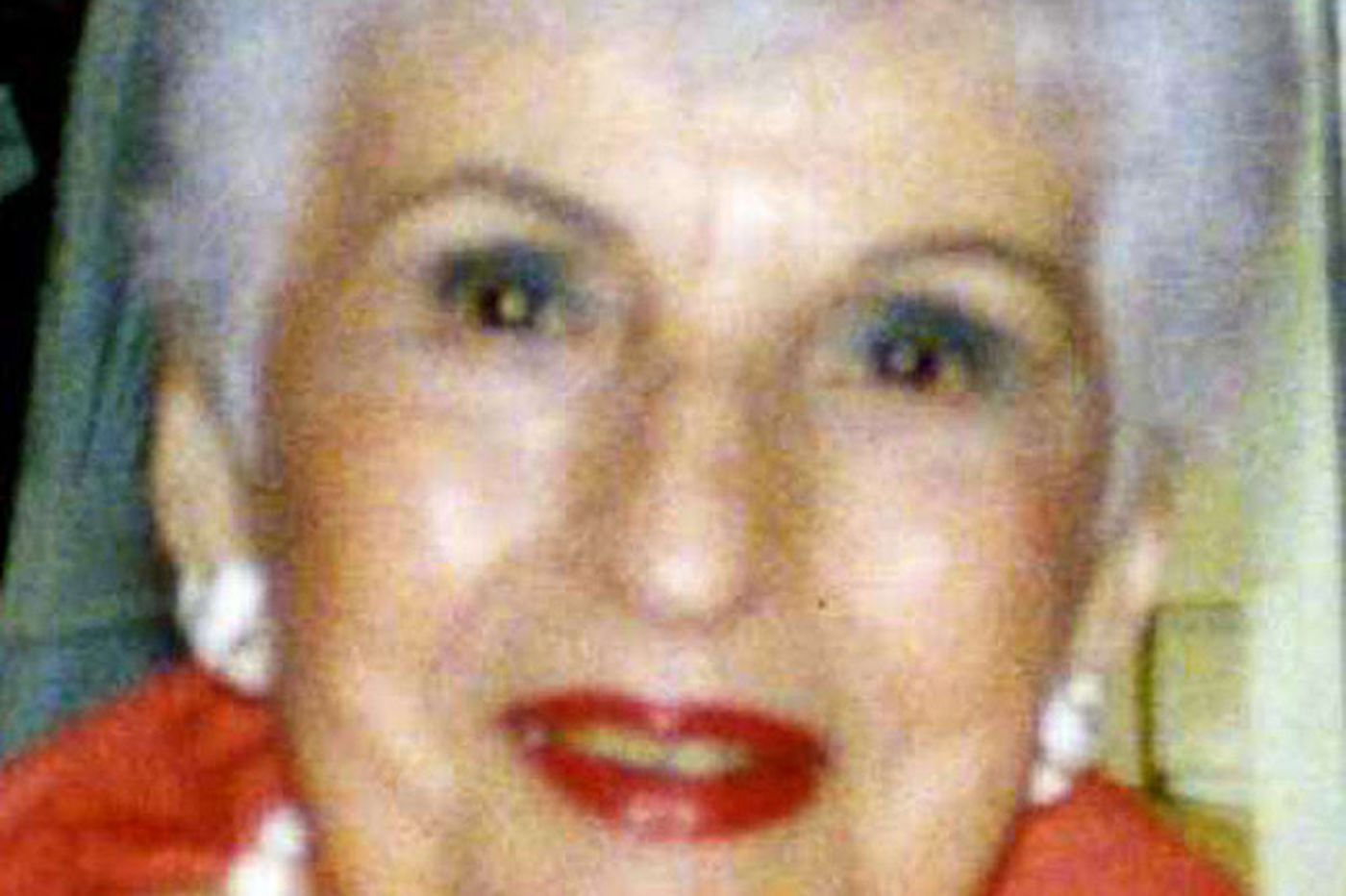 Lillian F. Wohlmuth, 104, of travel firm