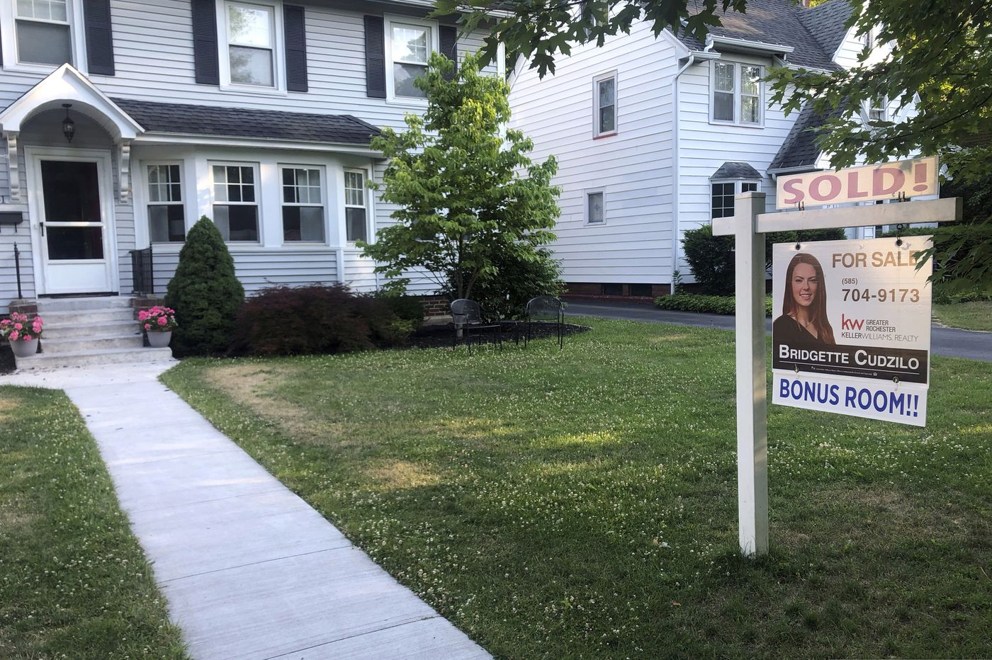 Freddie Mac reports record-low U.S. mortgage rates for the third consecutive week