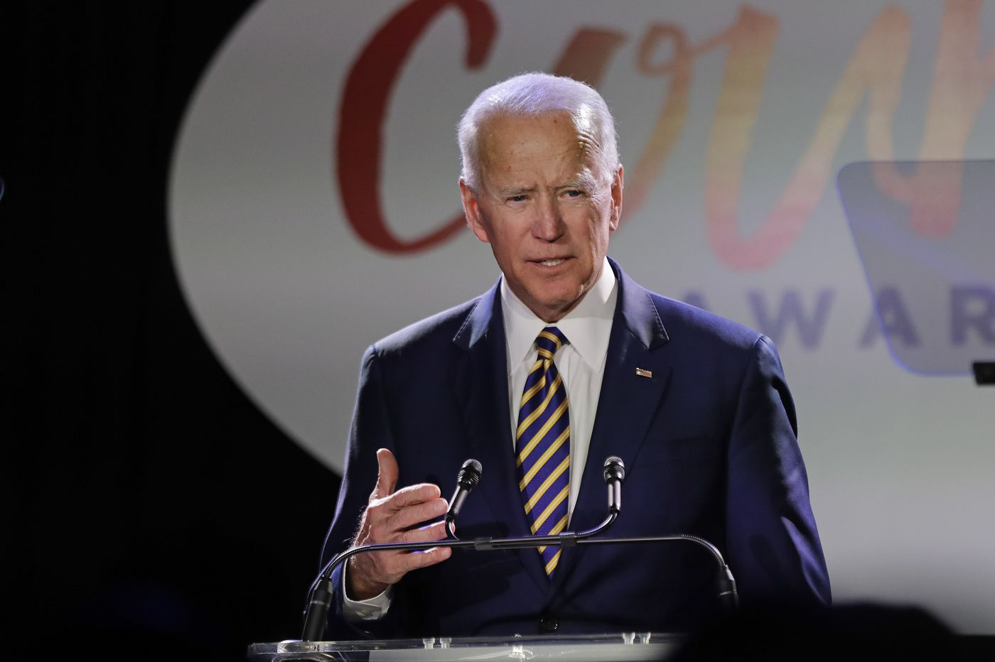 Biden rips 'white man's culture,' regrets Anita Hill hearing