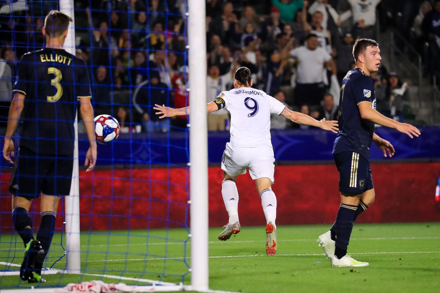 b0a44db49 Zlatan Ibrahimovic goals deal Union 2-0 loss at Los Angeles Galaxy