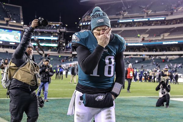 'All or Nothing' TV series doesn't tell all about the Eagles' season, but it does tell a lot | Les Bowen