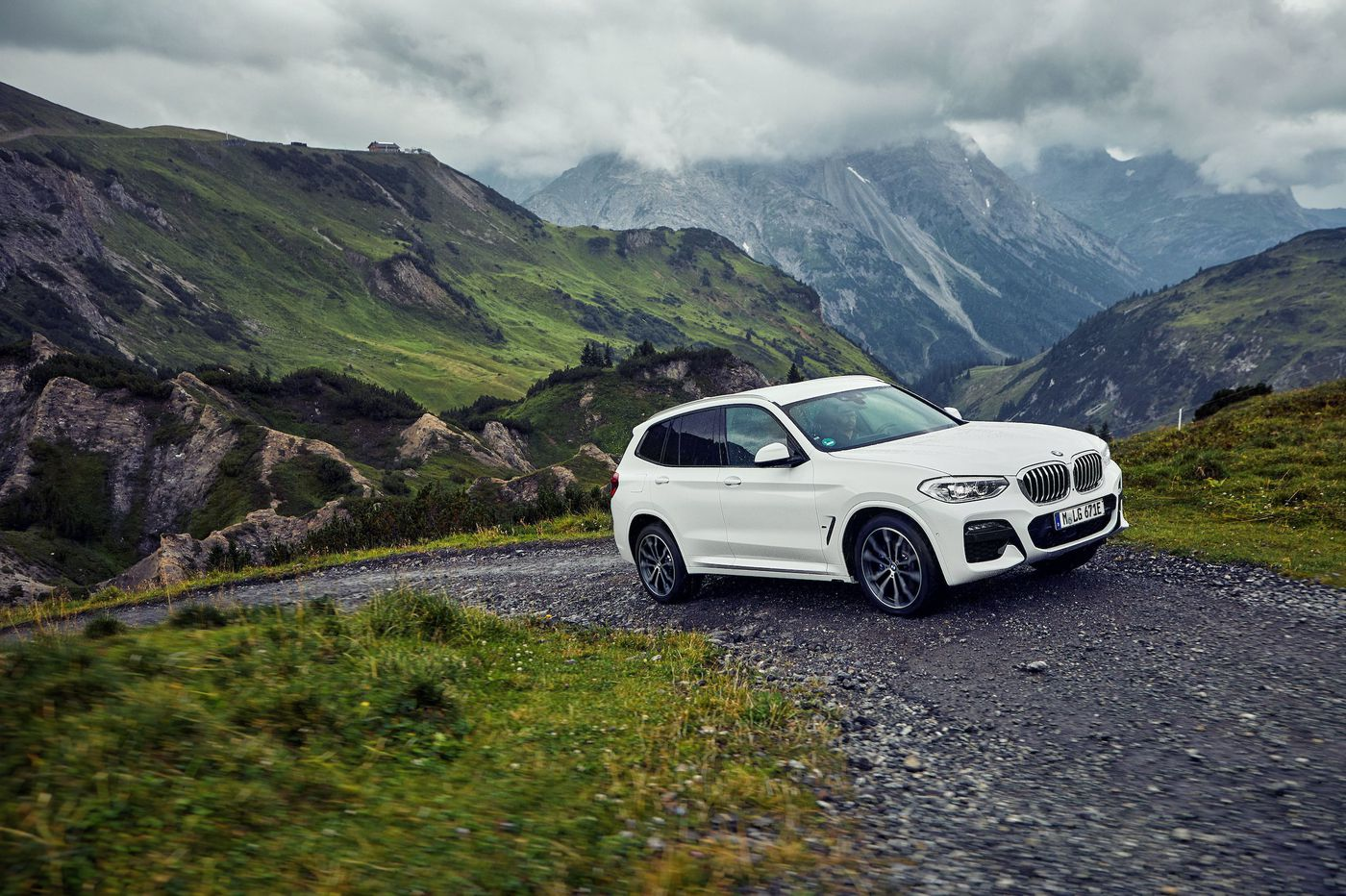 BMW gives the X3 an E, and whee!